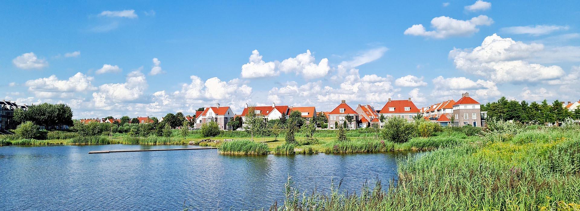 mansions beside lake in helmond