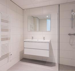 Bathroom with shower Lorentz