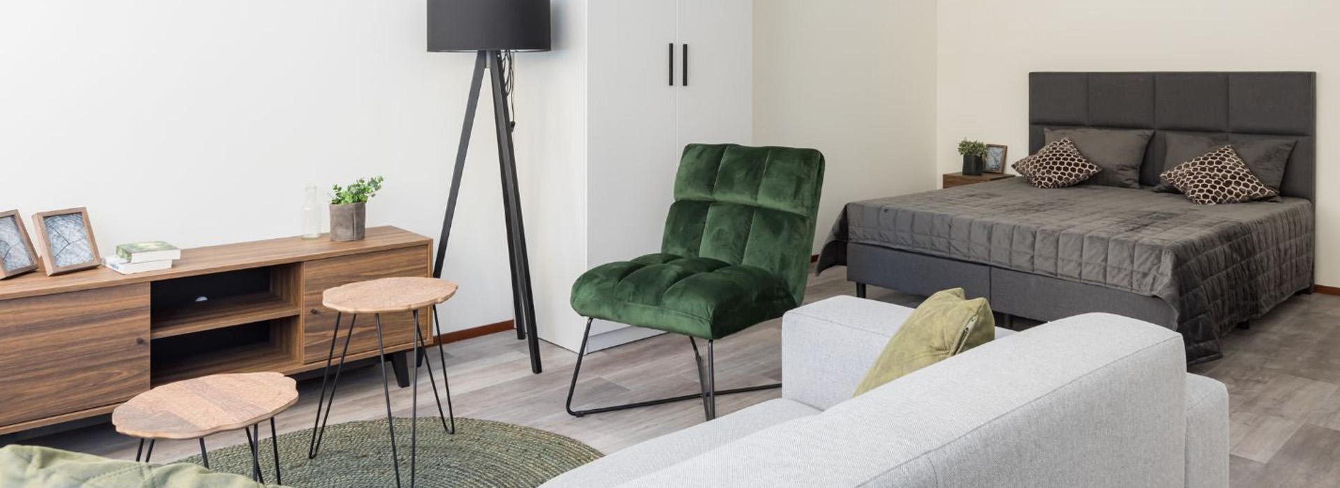 living and bedroom area in studio Maritz in The Hague