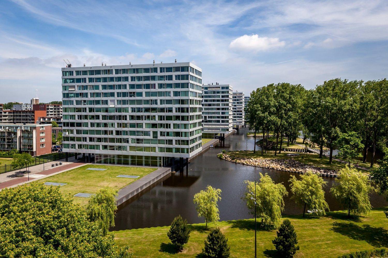 Twin in Amsterdam