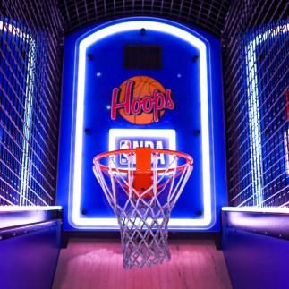 basketbal game in gaming arcade